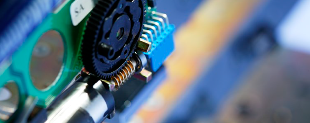 Elektroniske låser- og låssystemer